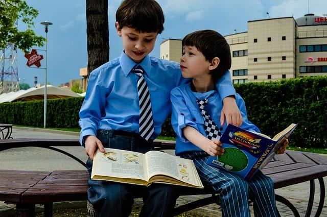 Дети из одной семьи смогут ходить в одну школу: Госдума одобрила поправки в Семейный кодекс