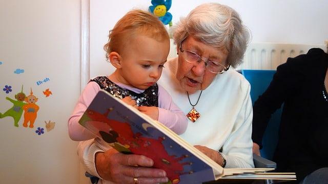 Пенсии и пособия малоимущим и инвалидам защитят от приставов
