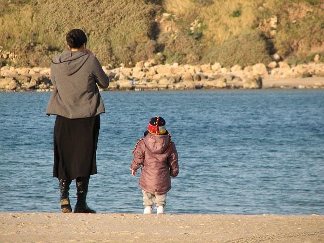 В Крыму повысят пособия одиноким матерям и компенсируют покупку школьной формы