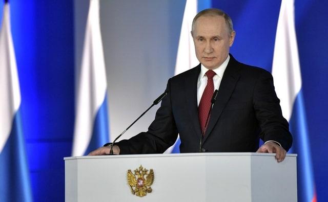 Владимир Путин предложил выплачивать материнский капитал на первенца и продлить программу до 2026 года