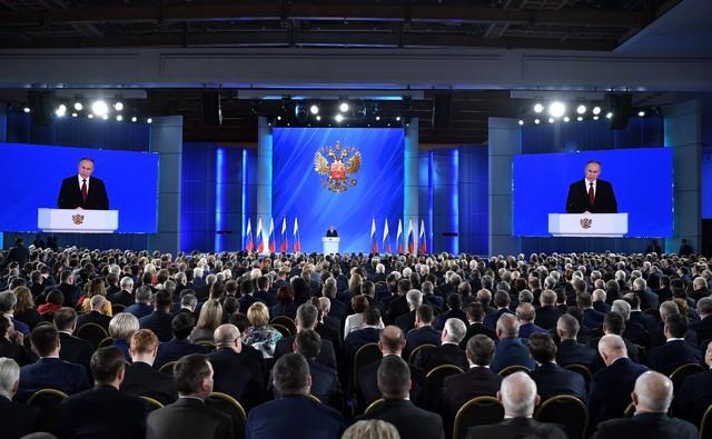 Учителям повысят доплату за классное руководство на 5000 рублей